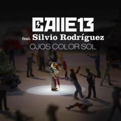 """Calle 13 La luna sale a caminar siguiendo tus pupilas """"Ojos Color Sol"""""""