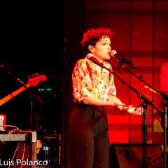 Natalia Lafourcade llevó a Los Angeles Hasta La Raíz