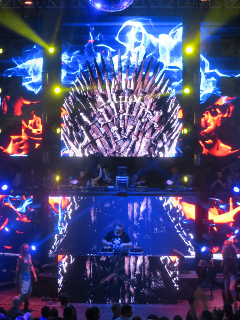 Rave Of Thrones Photos by Laura Pelayo