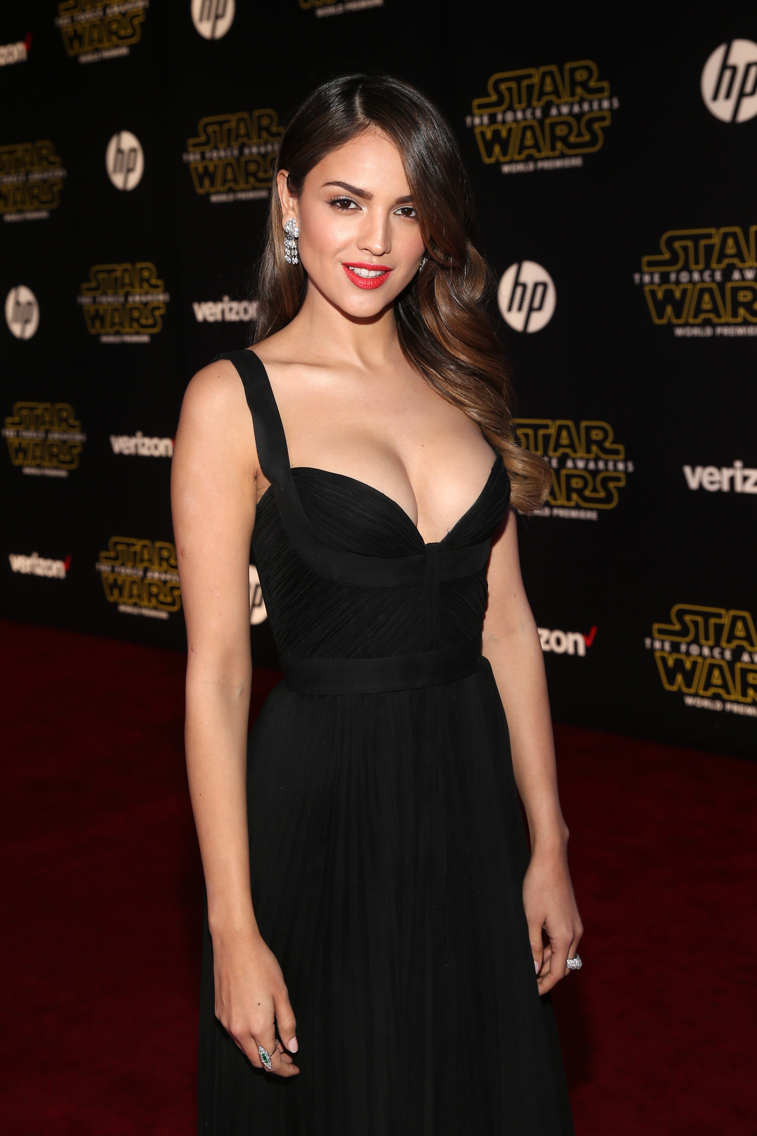 HOLLYWOOD, CA - DECEMBER 14:  Actress Eiza Gonz?lez attends the World Premiere of ?Star Wars: The Force Awakens? at the Dolby, El Capitan, and TCL Theatres on December 14, 2015 in Hollywood, California.  (Photo by Jesse Grant/Getty Images for Disney) *** Local Caption *** Eiza Gonz?lez