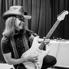 A conversation with bluesman David M'Ore: Passion, Soul and Fire