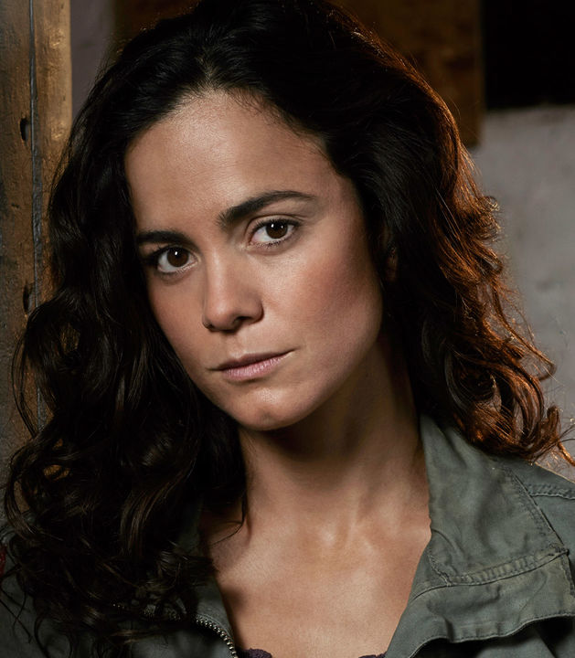 Alice Braga is Teresa Mendoza