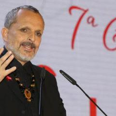 Miguel Bosé presidió la Gala Sida